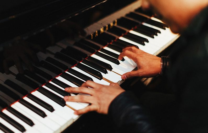 playing-piano