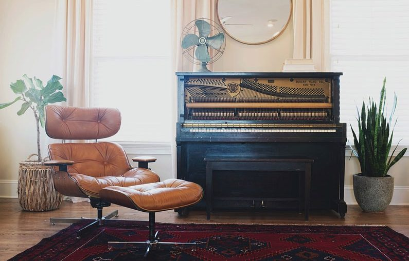 piano-living-room